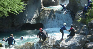 A group ejoying canyoning