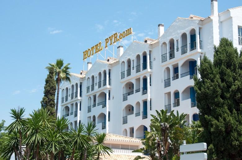 Hotel PYR Marbella Airport Transfers